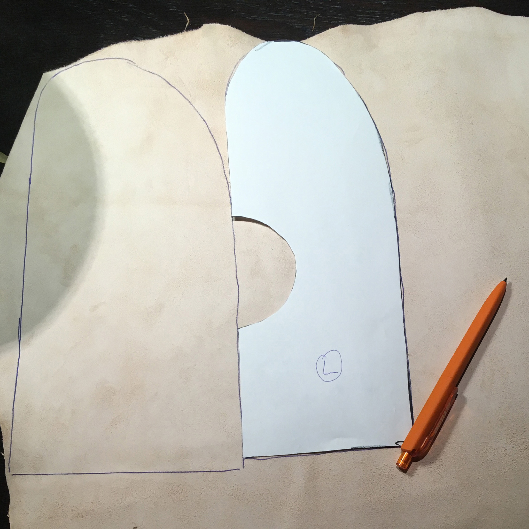 DIY: Leather mittens for the shield hand   Sippe Guntursson